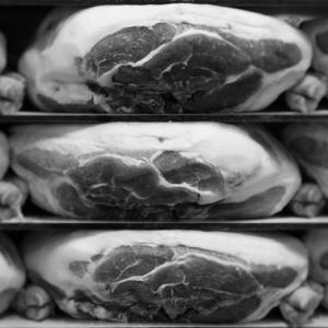 pressatura pressage du jambon san daniele