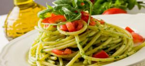 spaghetti_pesto_tomate_basicilic_plat_fotolia