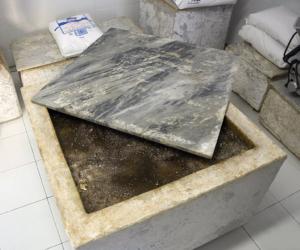 Conche de marbre Conca_di_marmo_(Colonnata)